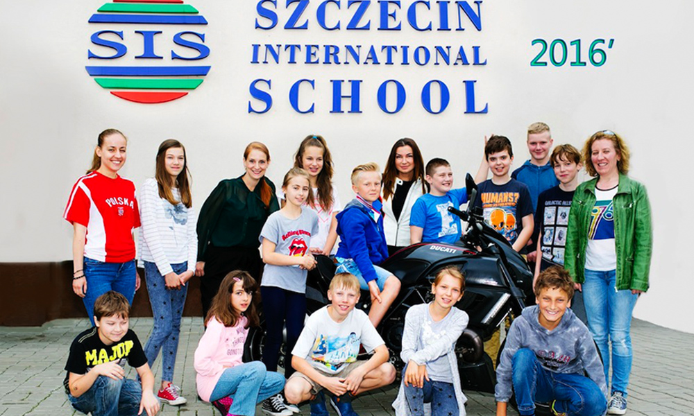 Spotkanie znastolatkami wSzczecińskiej Szkole Międzynarodowej SIS